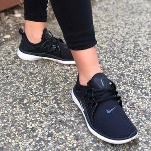 W Nike Acalme Sportswear Shoes